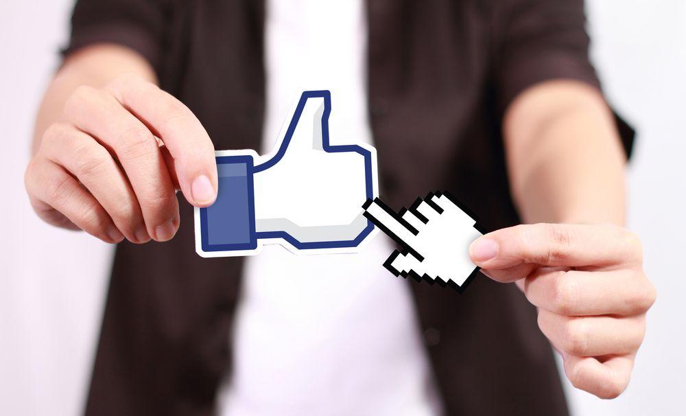 Sigue la lucha contra el clickbait en Facebook contra los botones de reproducción falsos