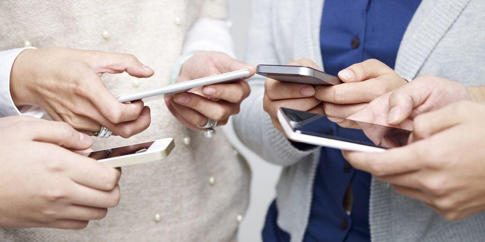 El 63% de los colombianos utilizan el celular para su vida social