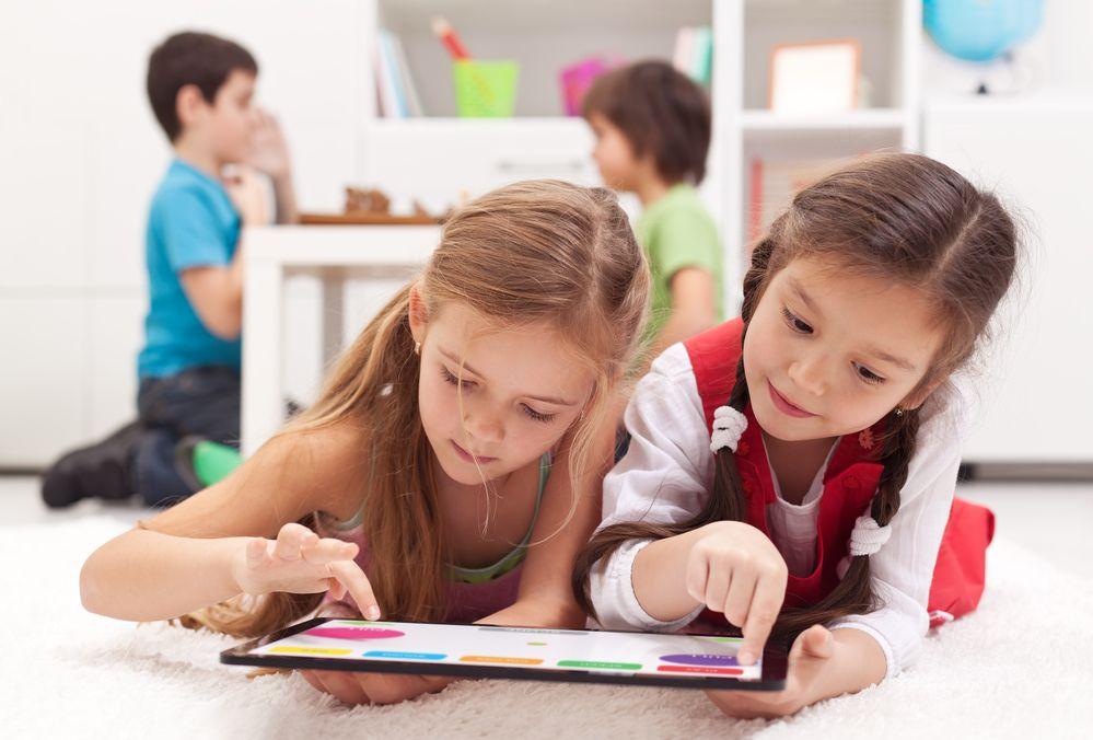 Día internacional de las niñas en las TIC: disminuir la brecha digital de género