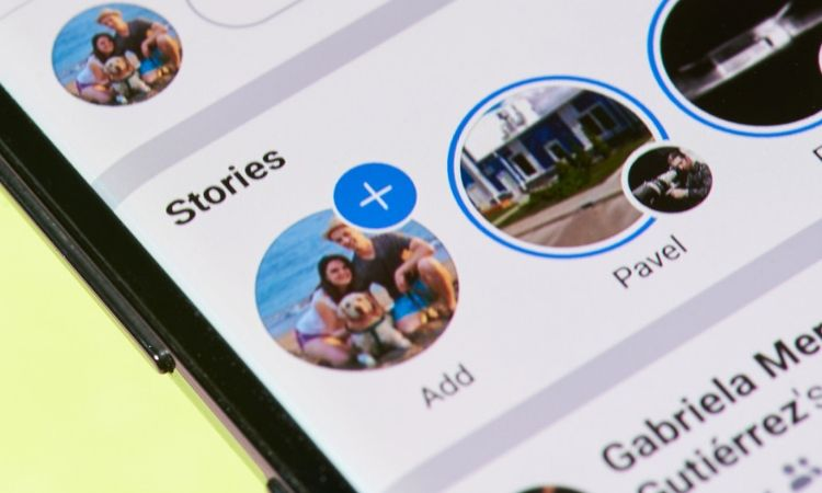 Facebook prueba a unir stories y newsfeed clásico en un nuevo formato carrusel